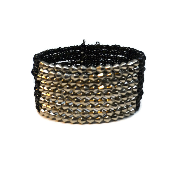 Sandy Beaded Cuff - Black